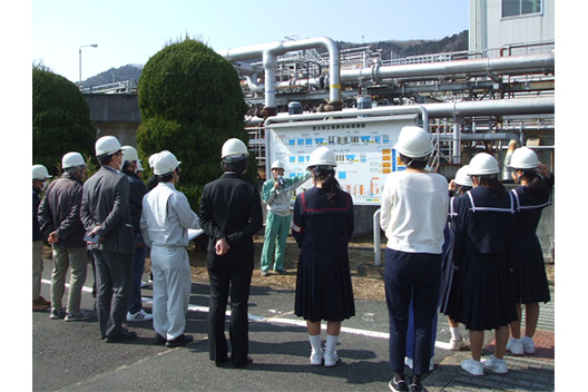 [picture]Environmental Dialogue Meetings(Fujinomiya Factory)
