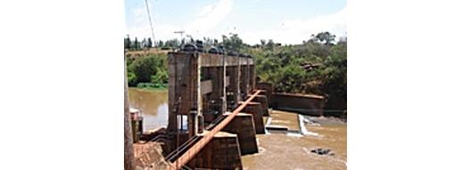 [写真] ケニア:水力発電所