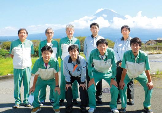 [写真]X-レイフィルム工程改善チームメンバー