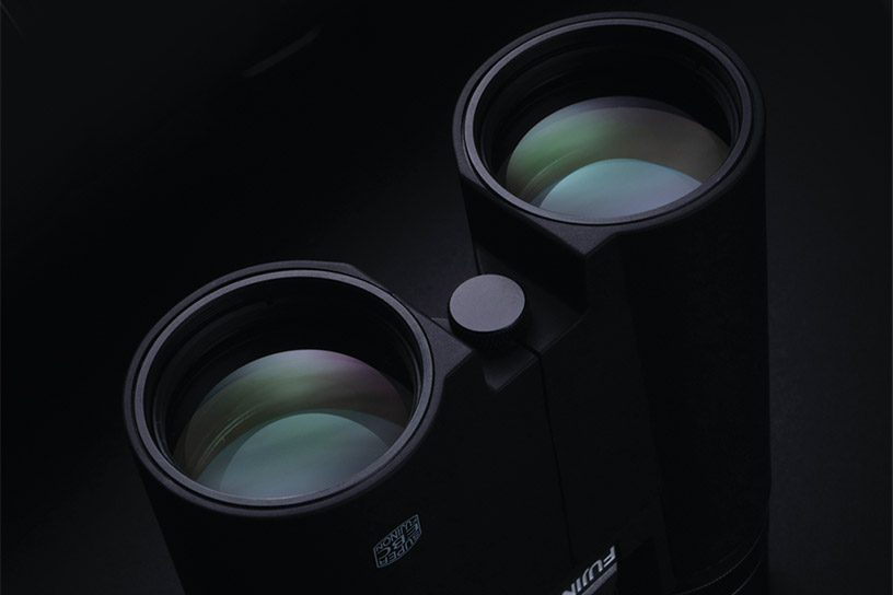 [photo] Up-close lenses of Hyper-Clarity Series binoculars