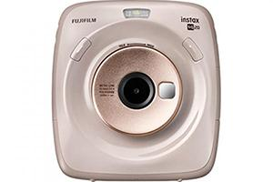 [photo] Instax SQUARE SQ20 in beige with a white background