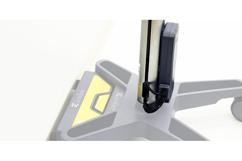 [foto] Acoplamento do PowerPack ligado à base do quiosque