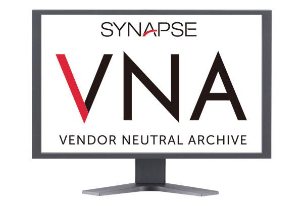 [logotipo] Synapse® VNA na tela do computador