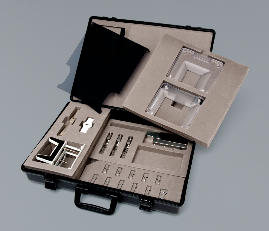 [photo] Both CNB/FNB/Hook wire and VAB needles in a carrying case