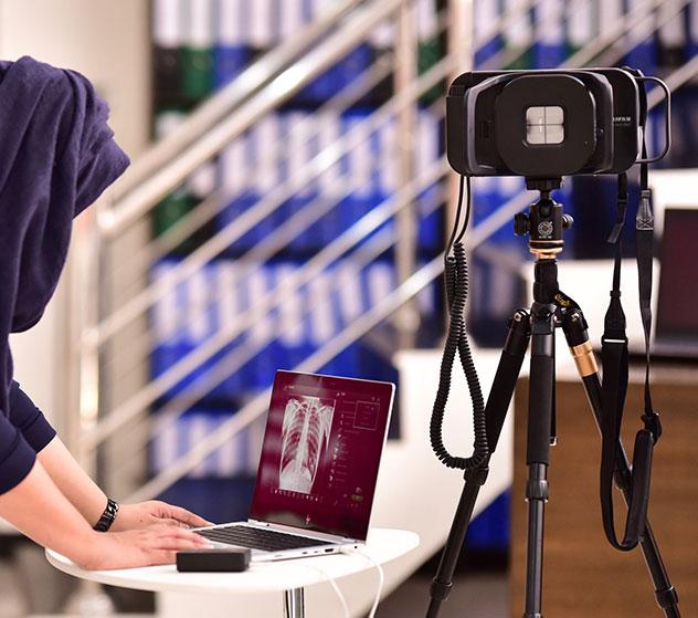 Image de style de vie FDR Xair avec une personne utilisant le logiciel