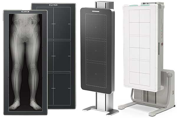[photo] FDR D-EVO GL long-length flat panel detector with image of lower limbs