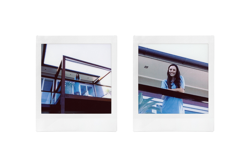 Image of a wide angle photo of a woman on balcony and close-up photo with the same woman on the same balcony