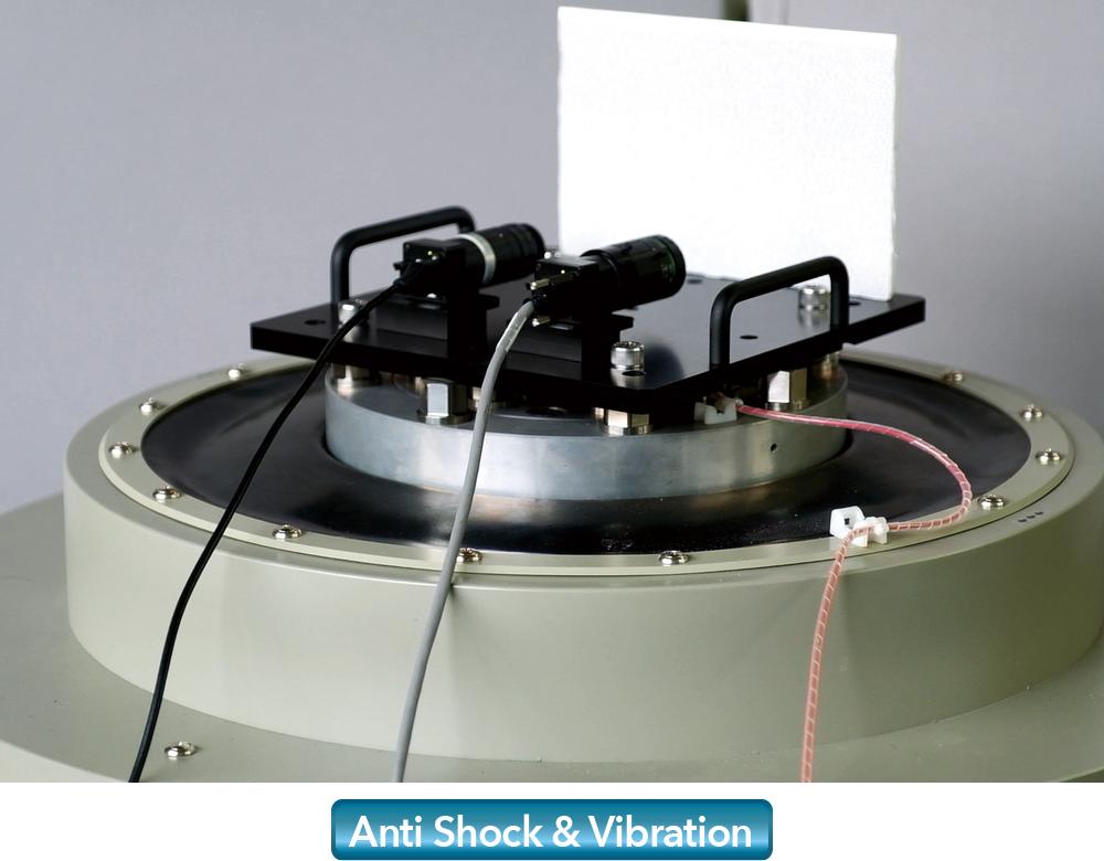 [foto] Lentes que se prueban en placas de máquina de vibración