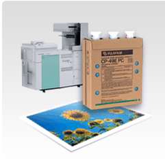 Productos químicos de impresión Frontier junto con impresora e imagen impresa