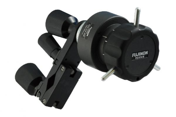 [photo] Digital Focus Demand accessory connected to mounting clamp