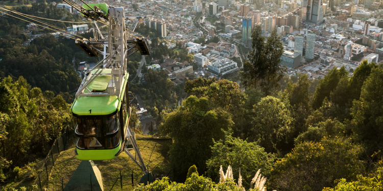 [photo] Cable car from Monserrate in Bogotá