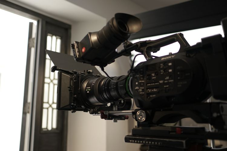 [photo] A fully rigged Sony digital with Fujinon XK Series lens