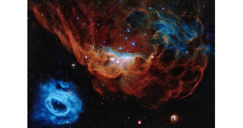 大マゼラン銀河の星形成領域 NGC 2014とNGC 2020 ハッブル宇宙望遠鏡打ち上げ30周年記念画像 Credit: NASA, ESA, and STScI