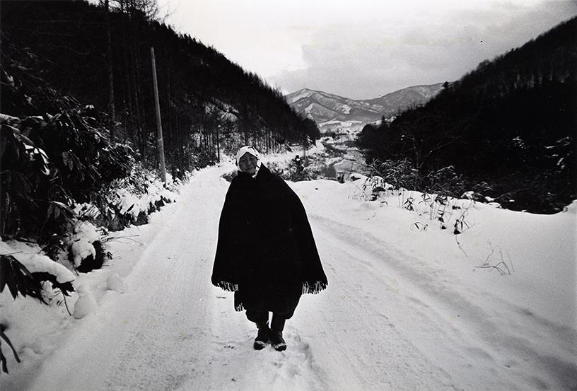 「遠野」岩手・遠野 1976年 写真:北井一夫 ©Kazuo Kitai