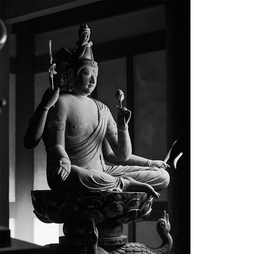 [写真]梵天坐像 東寺 © Yoshihiro Tatsuki