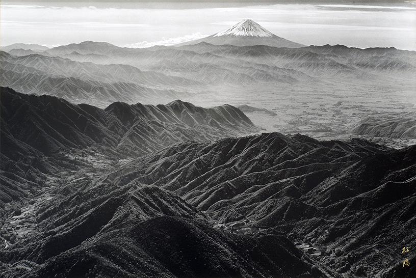 [画像]「山波」 撮影:岡田紅陽 収蔵:岡田紅陽写真美術館