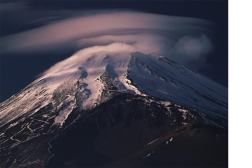 [画像]静岡県裾野市から「笠雲」 撮影:竹内敏信