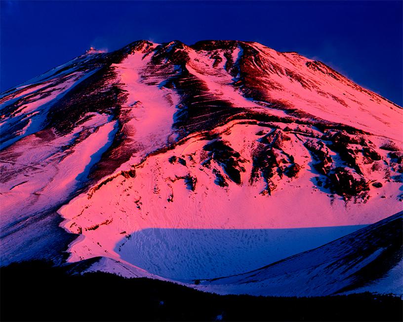 [画像]静岡県裾野市水ケ塚から「黎明に焼ける富士山」 撮影:白籏史朗