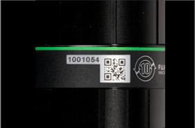 [사진] 머신 비전 렌즈의 바코드 및 ID 클로즈업 뷰