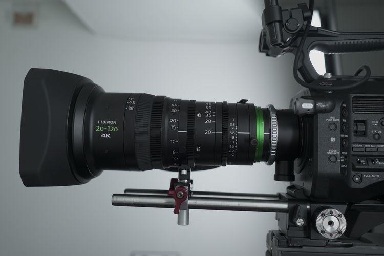 [사진] 디지털카메라에 장착된 XK 시리즈 렌즈의 옆모습