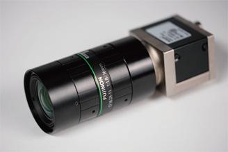[사진] CF-ZA 시리즈 렌즈가 부착된 소형 머신 비전 카메라