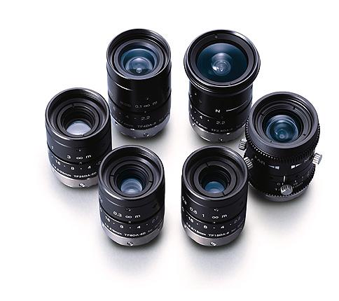 [사진] 수직으로 세워진 TF 시리즈 렌즈를 둥글게 모아놓은 모습