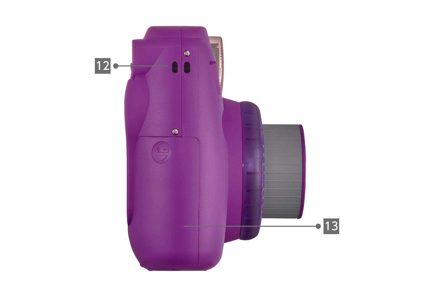 [사진] 12 및 13으로 표시된 다양한 구성품이 있는 핑크 인스탁스 미니 9 한정판 필름 카메라의 측면도