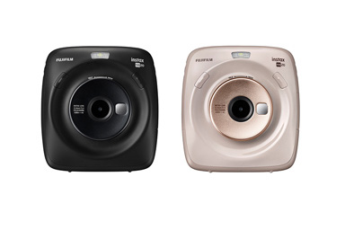 "[Photo]Hybrid instant camera ""instax SQAURE SQ20"""