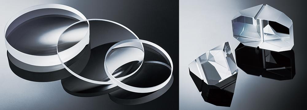 [photo] 겹쳐서 펼쳐진 선명하고 3개의 두꺼운 원형 렌즈