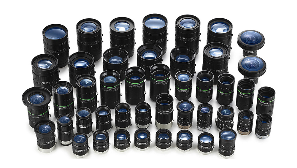 [photo] 큰 그룹으로 똑바로 서있는 FUJIFILM 기계 비전 렌즈