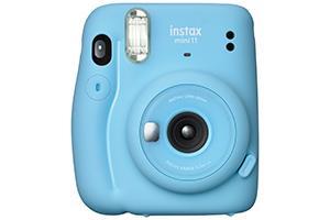 [photo] 화이트 배경의 블루 인스탁스 미니11 카메라