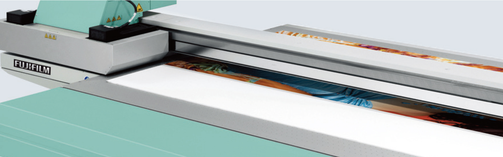 [photo] Acuity EY flatbed printer up-close