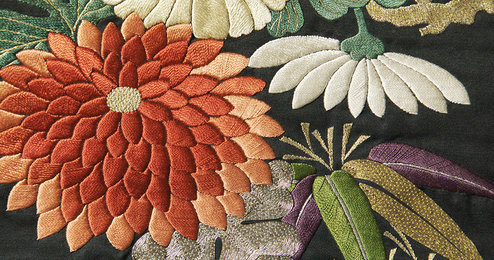 [photo] A close-up view of Edo shishū, a traditional embroidery craft of Tokyo