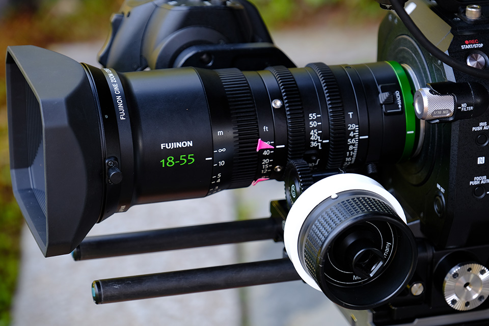 [photo] Close up view of the follow focus system attached to the Fujinon 18-55mm lens