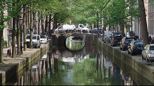 [photo] Canal and streets of Amsterdam during the day