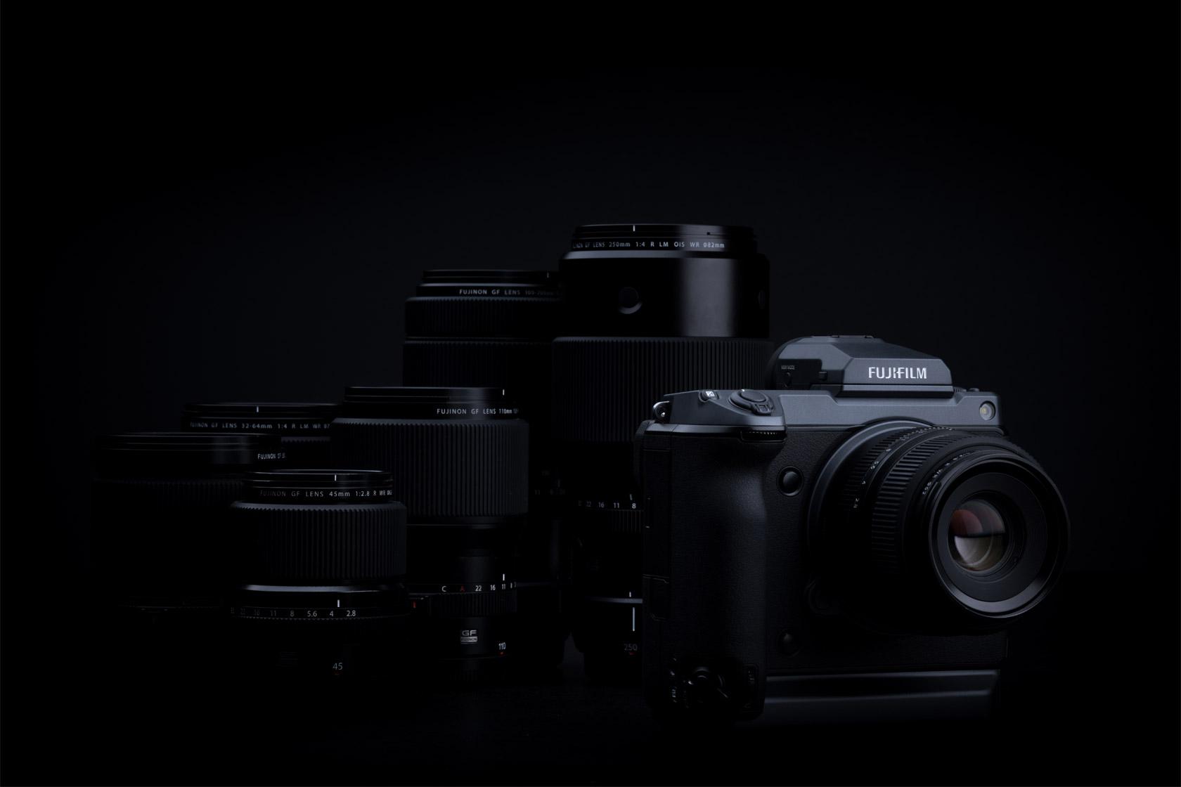 [ภาพ] กล้อง Fujifilm GFX อยู่ด้านหน้าเลนส์ที่เข้ากันได้
