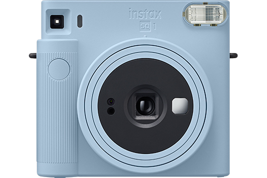 [photo] INSTAX SQUARE SQ1 camera in Glacier Blue color