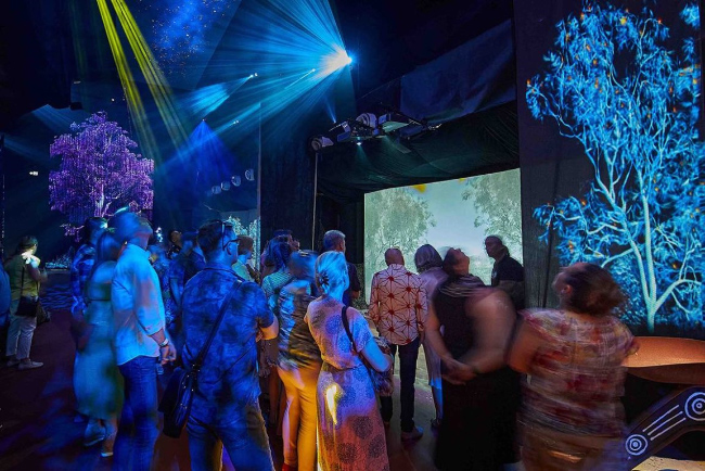 [photo]Yabarra – Dreaming Light utilized the FUJIFILM FP-Z5000 for projection mapping