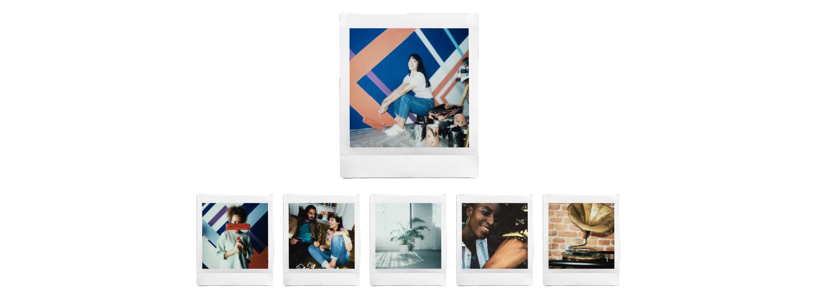 [fotografía] Fila de impresiones fotográficas de la película INSTAX Square: varias imágenes de jóvenes pintando y hablando, y de decoraciones