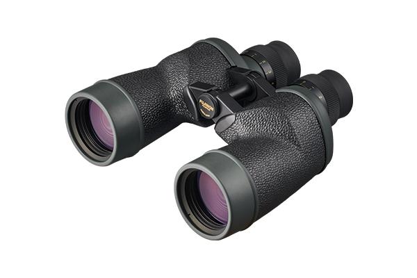 [photo] 7 × 50 FMT-SX binoculars with black, embossed body